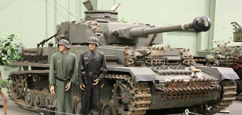 2 Soldiers with tank